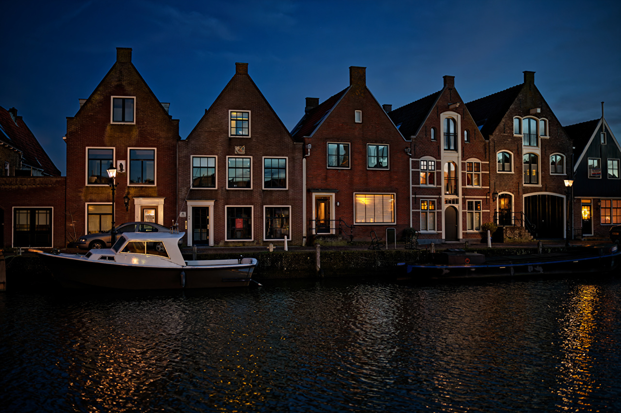 Photos Netherlands Monnickendam Canal Riverboat Berth Night Cities Building Pier Marinas night time Houses