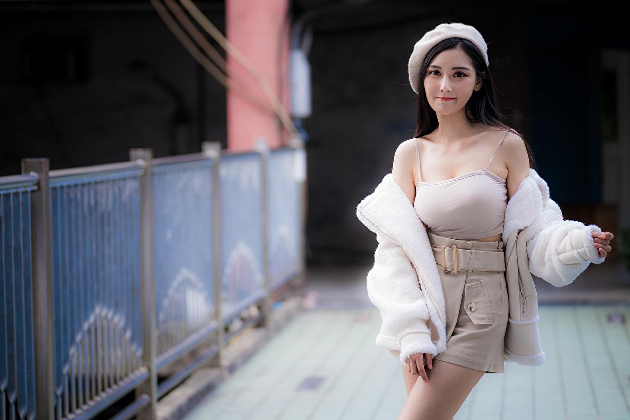 Asiático Pose Bokeh Boina Saia Camisa regata Ver jovem mulher, mulheres jovens, moça, asiática, Fundo desfocado, posando Meninas