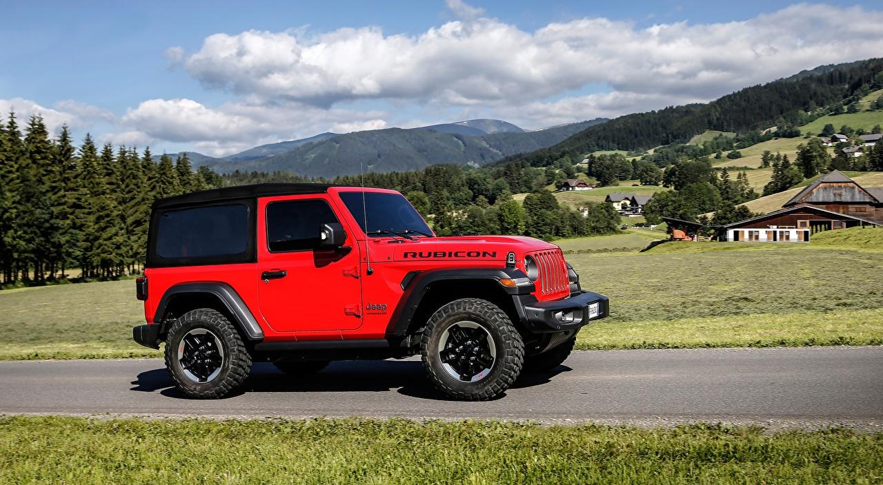 Foto Jeep SUV Wrangler, Rubicon EU-spec, 2018 Rot Seitlich automobil Sport Utility Vehicle auto Autos