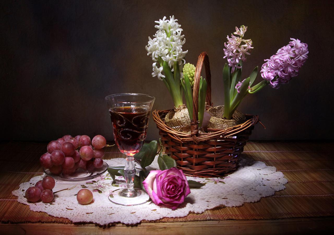 Desktop Wallpapers Wine Roses Grapes Flowers Wicker basket Food Table Stemware Hyacinths Still-life rose flower