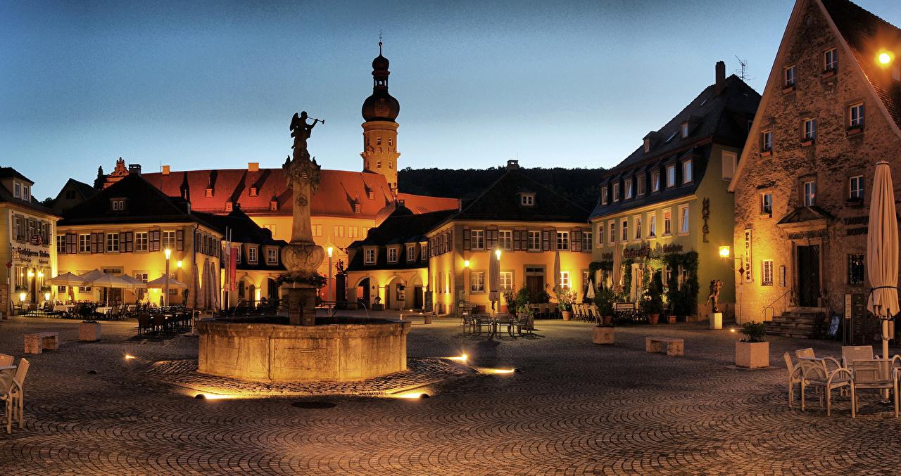 Alemanha Casa Chafariz Esculturas Weikersheim Praça da cidade Café estabelecimento Noite Revérbero Edifício Cidades