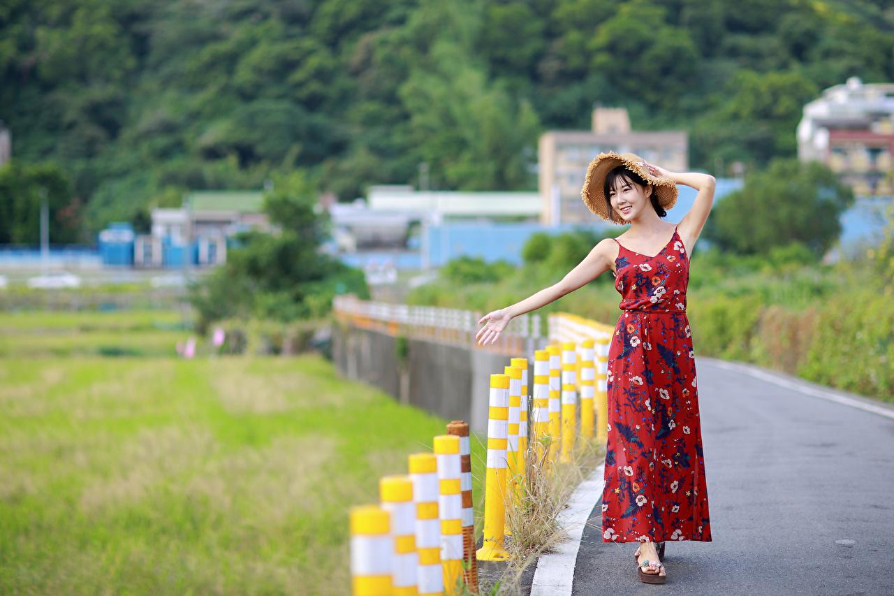 Foto unscharfer Hintergrund Pose Der Hut junge frau Asiatische Kleid Bokeh posiert Mädchens junge Frauen Asiaten asiatisches
