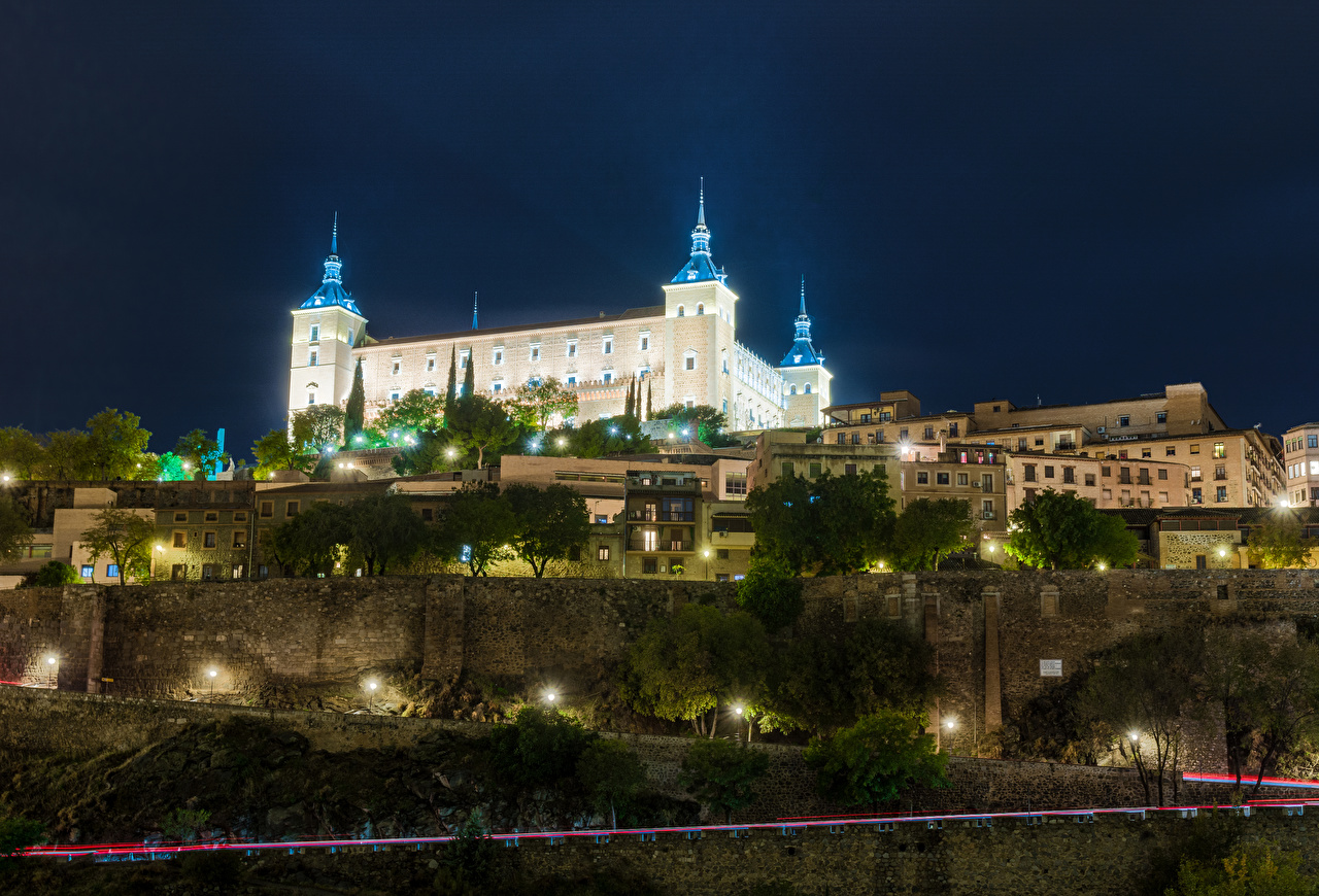 Bilder von Toledo Palast Spanien Real Alcazar Seville Straße Nacht Straßenlaterne Haus Städte Wege Gebäude