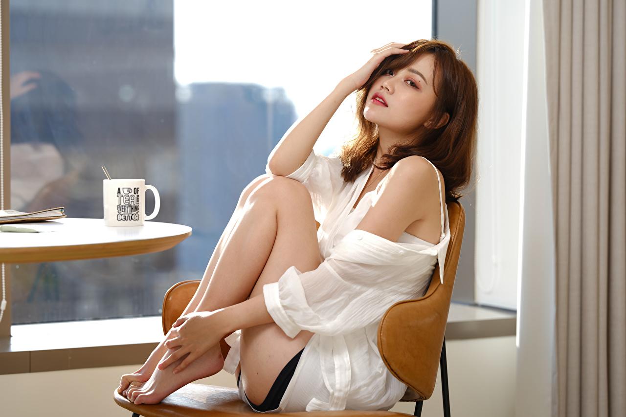 、アジア人、ボケ写真、座っ、脚、凝視、若い女性、少女、