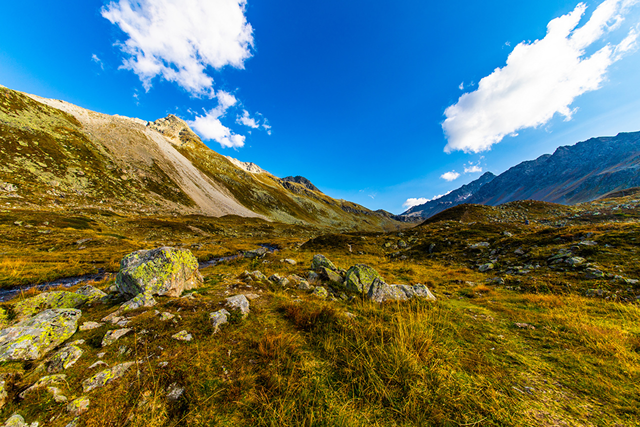 Foto Svizzera Natura montagna Cielo Erba Pietre Nuvole Montagne Nubi