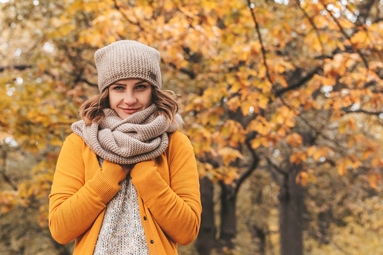 Desktop Wallpapers Brown haired Scarf Bokeh Girls Autumn Winter hat Glance blurred background female young woman Staring