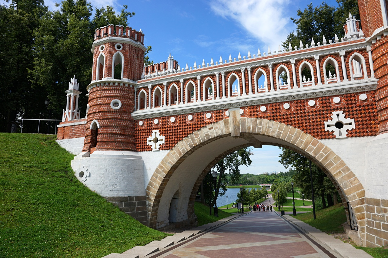 Pictures Moscow Russia Arch towers Tsaritsyno Bridges Parks Cities Tower bridge park