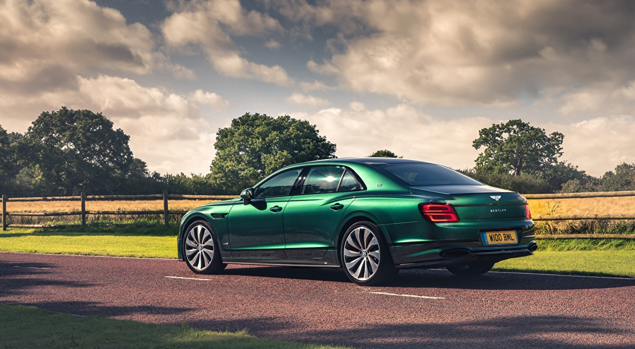 Photos Bentley Flying Spur, Styling Specification, UK-spec, 2020 Sedan Green Side Cars auto automobile