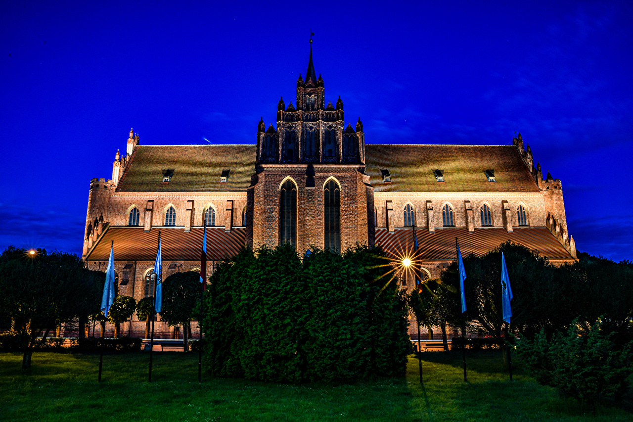 Picture Rays of light Church Poland Pelplin Cathedral Basilica Night Temples Cities temple night time
