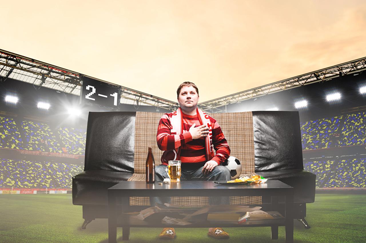 Fotos von Mann Bier Sport Fußball Stadion Sofa Couch