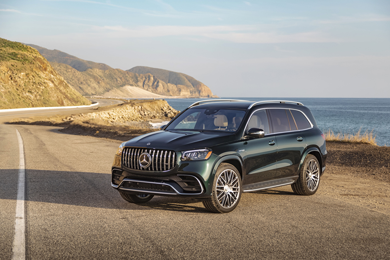 Picture Mercedes-Benz 2021 AMG GLS 63 4MATIC Green auto Cars automobile