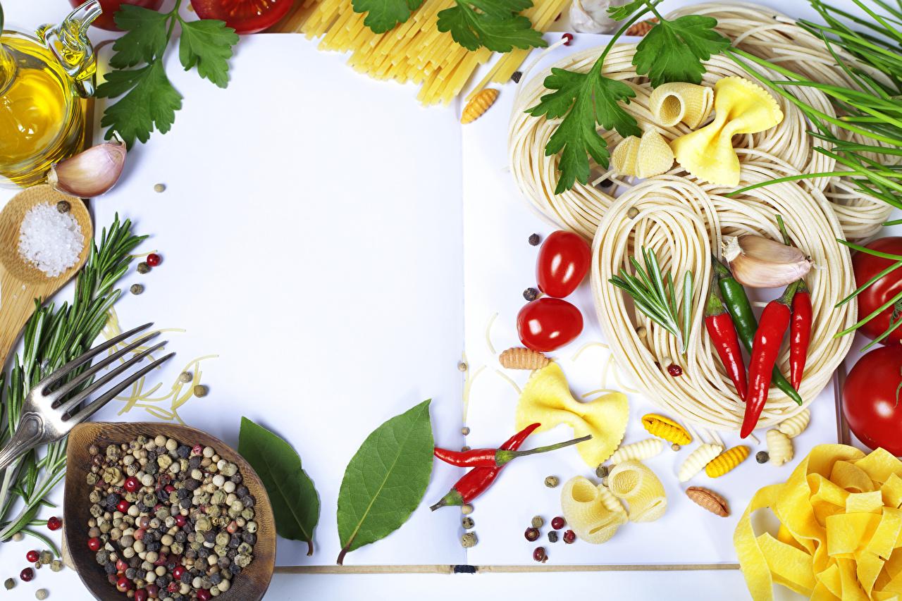 Photos Pasta Tomatoes Chili pepper Garlic Food Spices Vegetables Allium sativum Seasoning