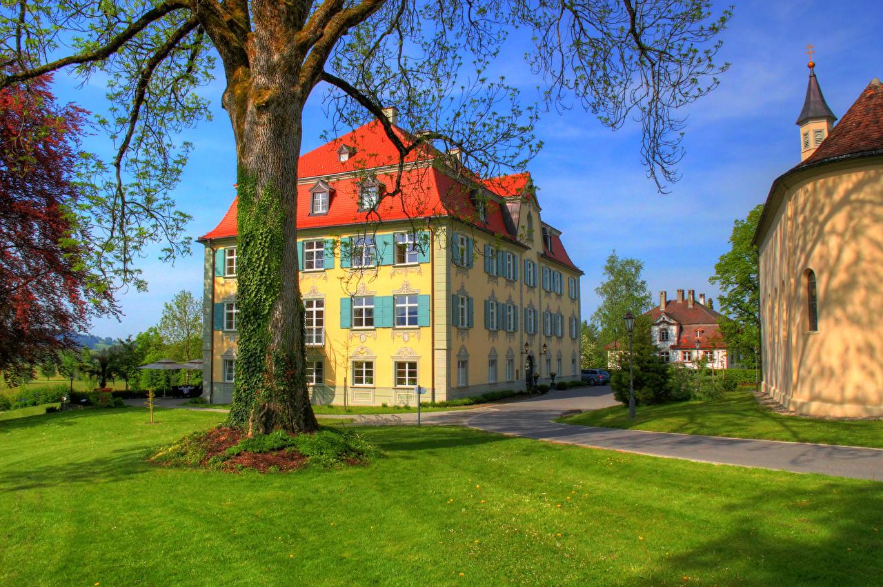 Desktop Wallpapers Germany Neutrauchburg Castles Trunk tree Lawn Cities castle