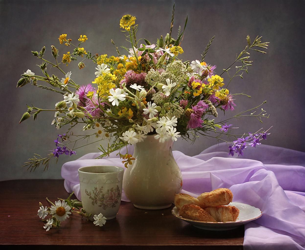 Wallpaper Bouquets Flowers matricaria Cup Vase Food Plate Handbell Cornflowers Still-life Little cakes bouquet flower Camomiles Bells Centaurea