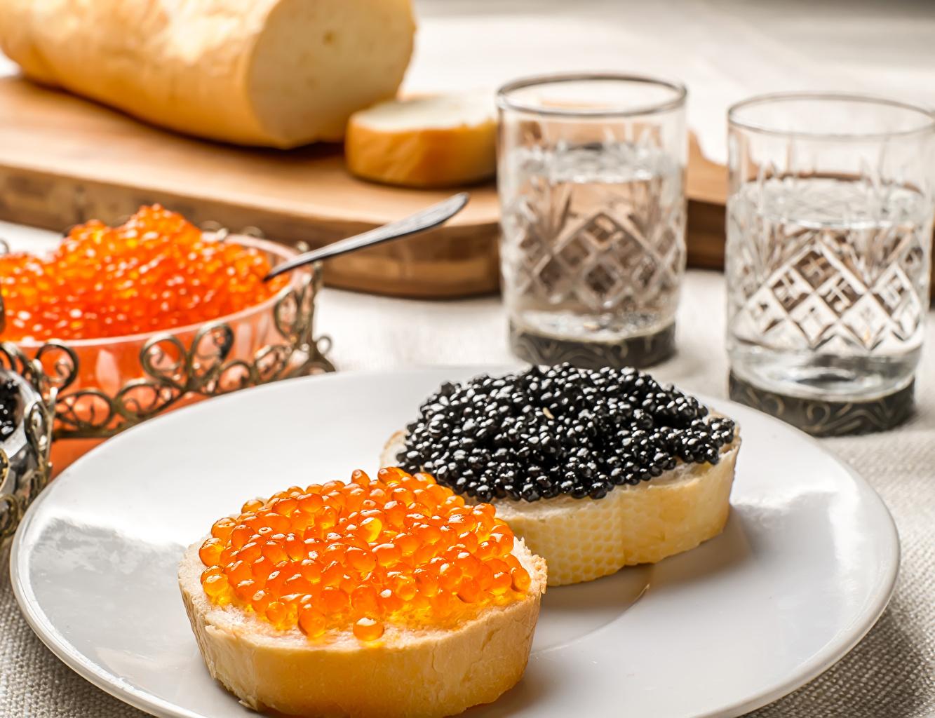 Fotos von Brot Rogen Butterbrot Teller Lebensmittel Kaviar Caviar das Essen