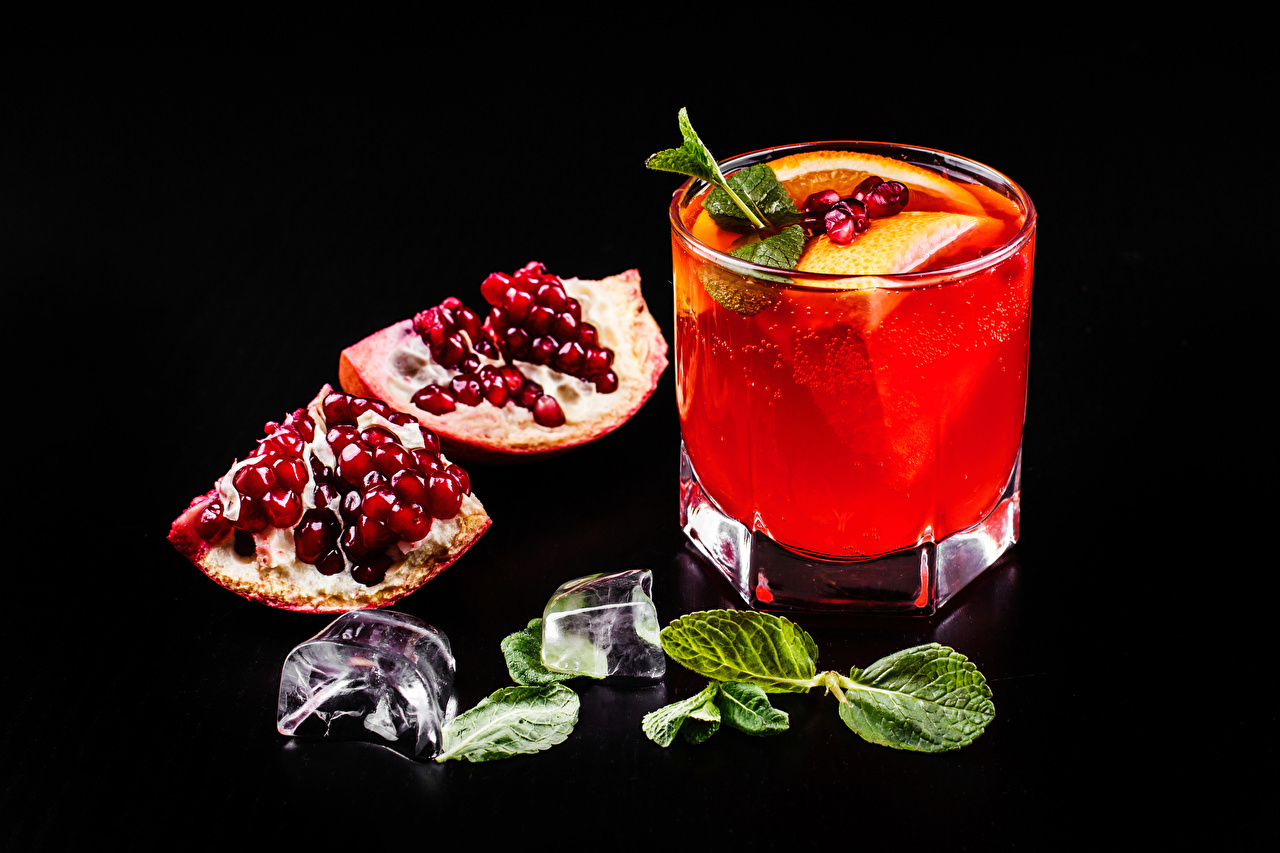 Image Foliage Alcoholic drink Ice Grain Pomegranate Food Shot glass Mixed drink Black background Leaf Cocktail