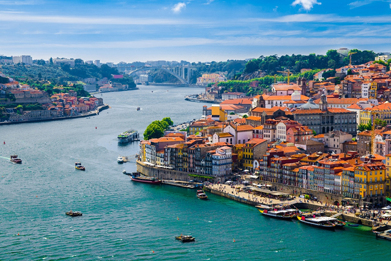 Pictures Porto Lisbon Douro river Riverboat Berth Cities Building Oporto Pier Rivers Marinas Houses