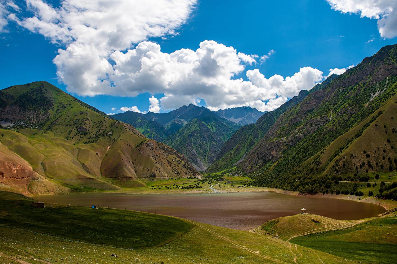 Foton Kyrgyzstan Berg Natur Insjö Landskap Molnen landskapsfotografering