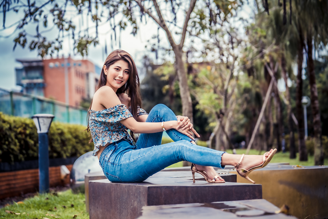 Image Blouse young woman Jeans Asiatic sit Staring Girls female Asian Sitting Glance