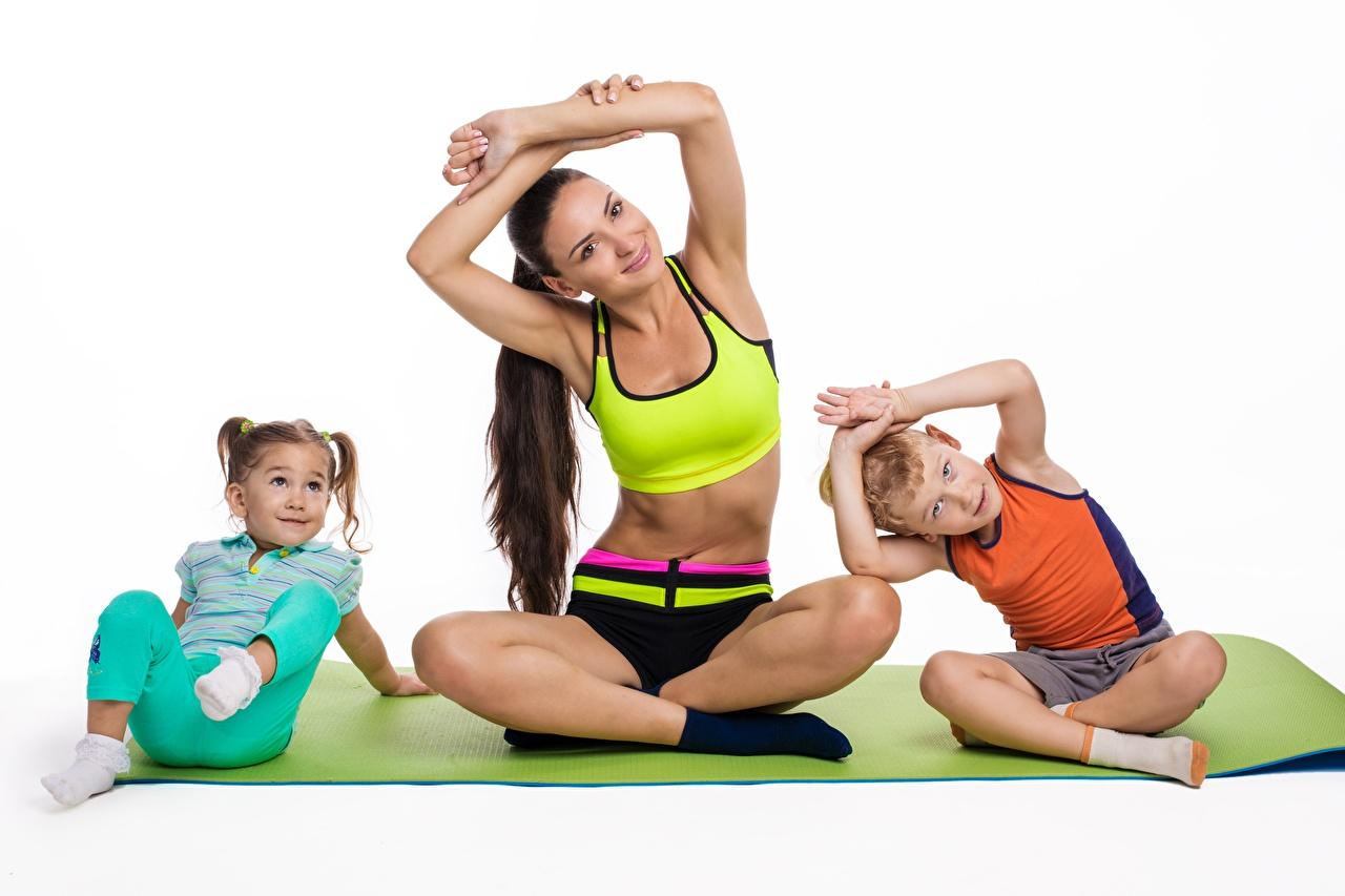 Fotos von Kleine Mädchen jungen Yoga Mutter posiert Kinder Gymnastik Mädchens sportliches Junge Joga Pose kind Sport junge frau junge Frauen