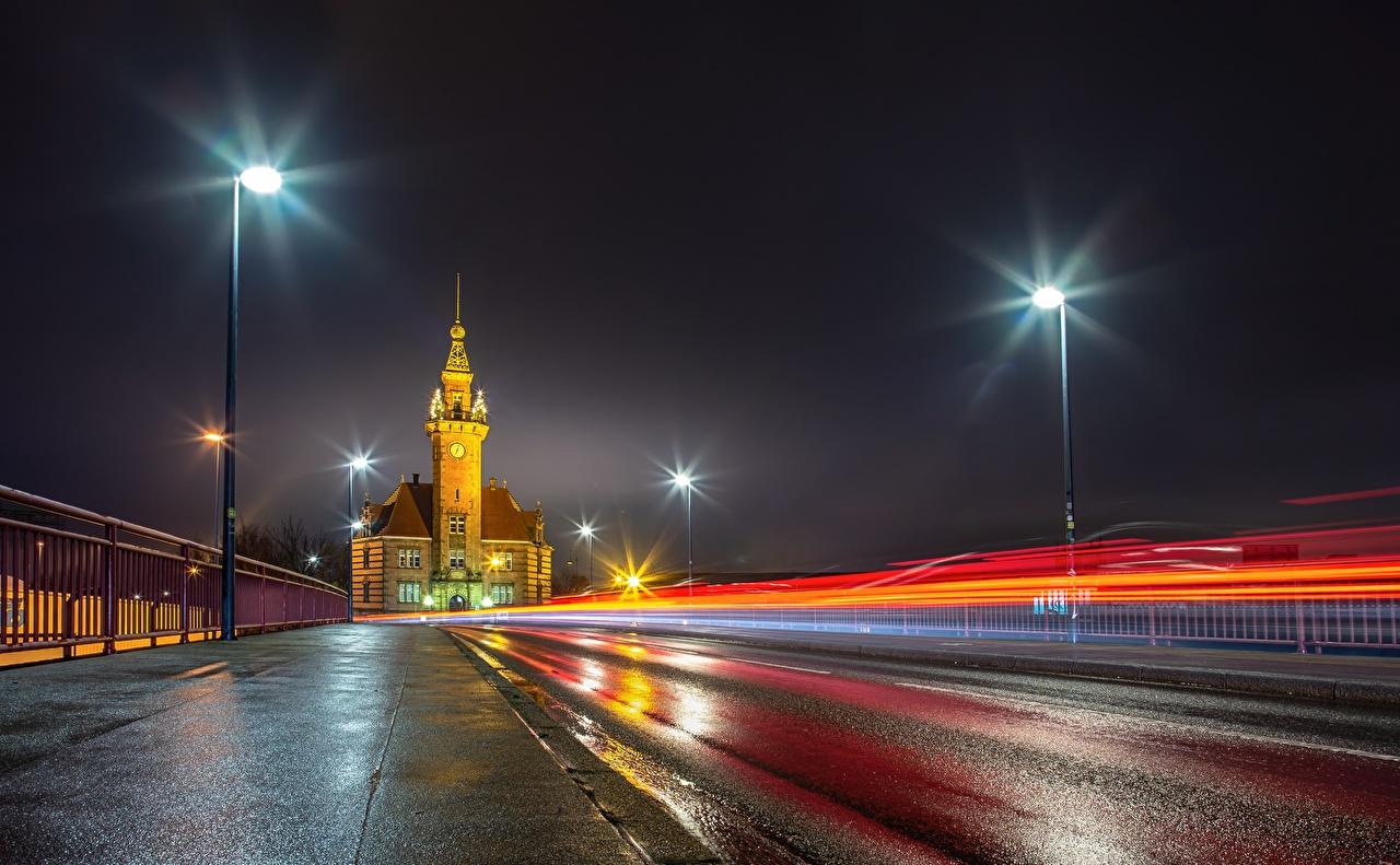 Fotos von Deutschland Dortmund, Port Bureau Straße Nacht Asphalt Straßenlaterne Städte Wege
