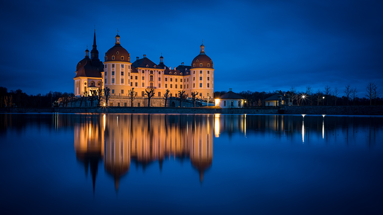 Picture Germany Schloss Moritzburg Nature Castles Lake reflected castle Reflection