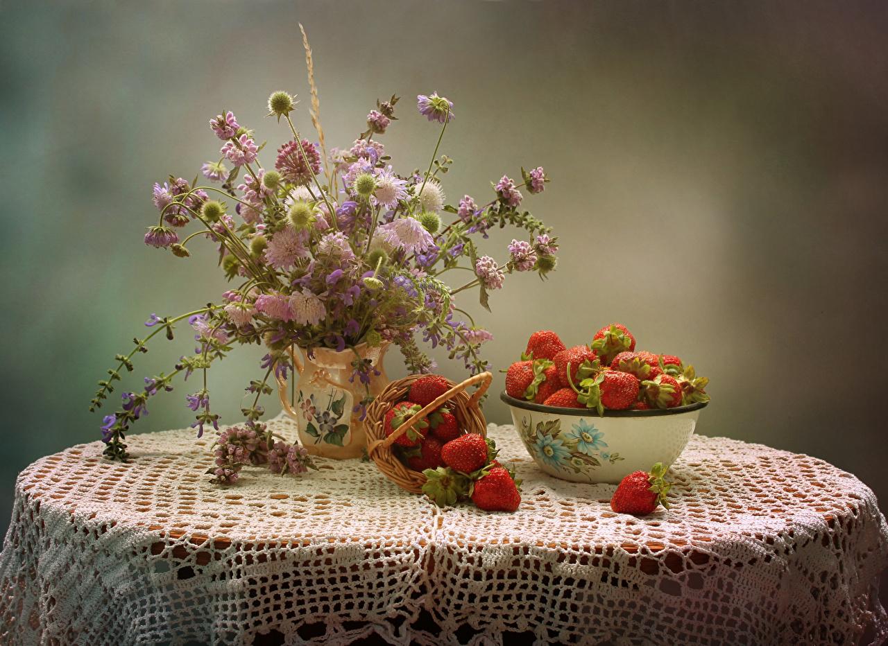 Photos Bouquets Flowers Matthiola Strawberry Food Table Centaurea Still-life Cornflowers