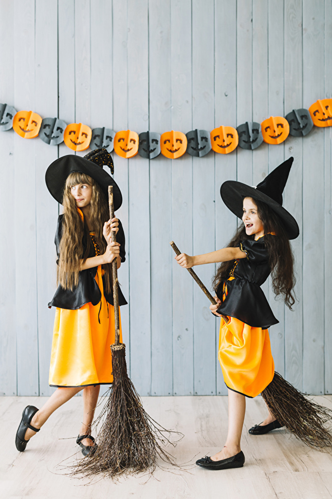 Images Little girls Witch child 2 Hat Halloween Uniform  for Mobile phone Children Two
