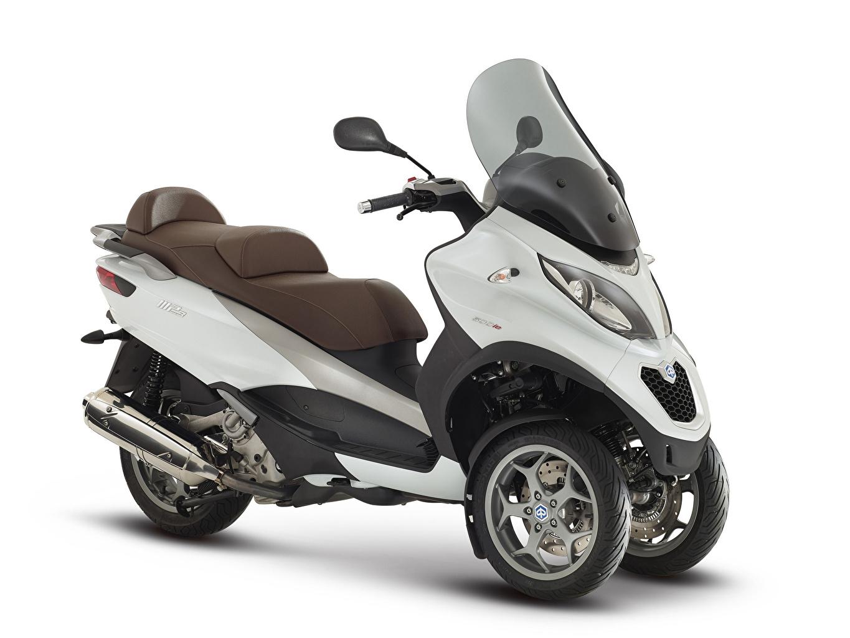 Bilder Motorroller 2014-20 Piaggio MP3 LT 500 Business Motorrad Weißer hintergrund Motorräder