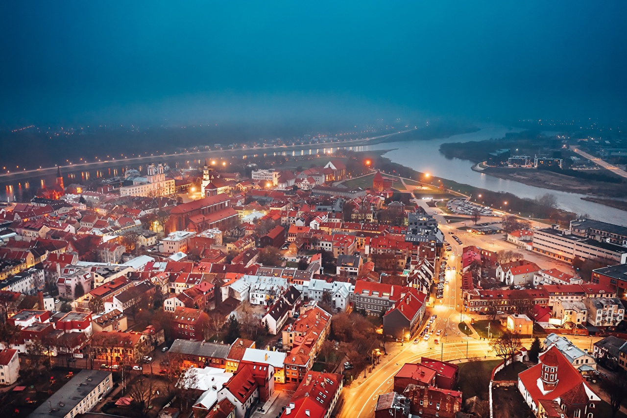 Desktop Hintergrundbilder Städte Litauen Abend Kaunas Haus Von oben Gebäude