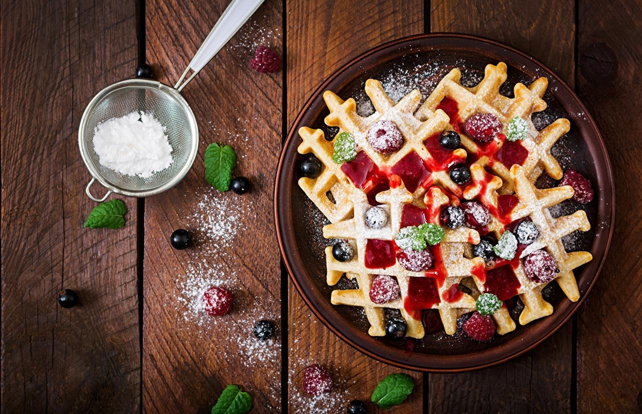 Bilder von Waffeln Warenje Puderzucker Kirsche Lebensmittel Bretter Marmelade Konfitüre das Essen