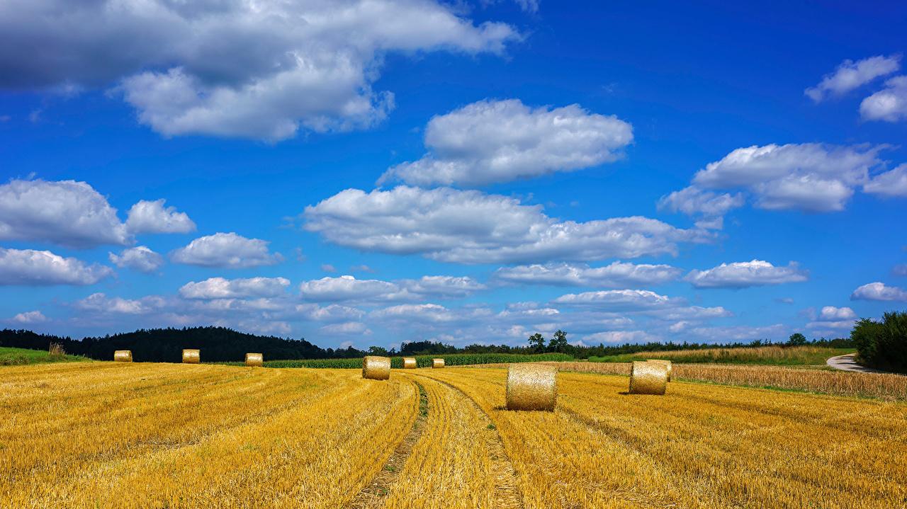 Achtergronden Beieren Duitsland Natuur Akkerland stro Wolken akker agrarische velden