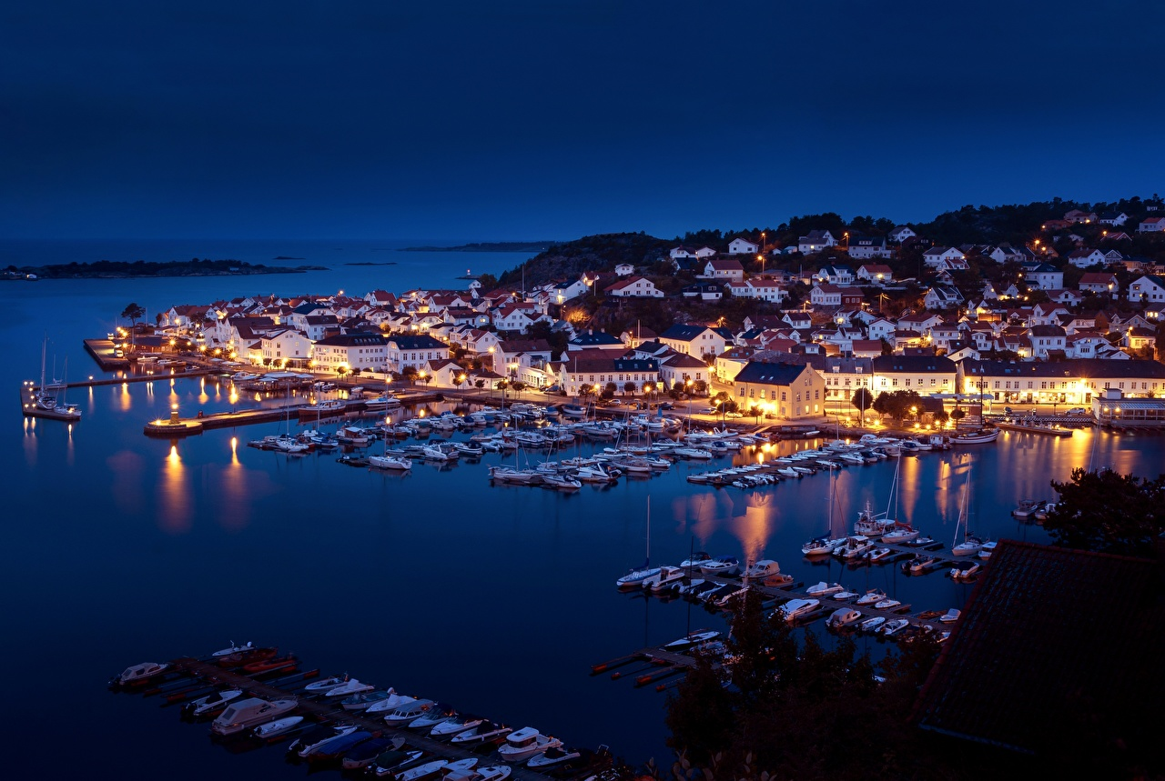 Pictures Norway Bay Berth Boats Yacht Night Cities Building Pier Marinas night time Houses