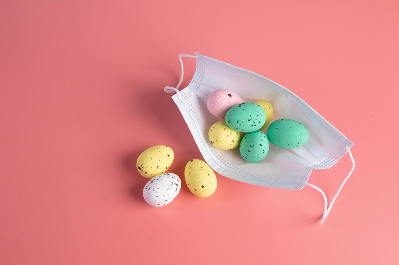 Fotos Ostern Coronavirus eier Masken Lebensmittel Rosa Hintergrund Ei Maske das Essen