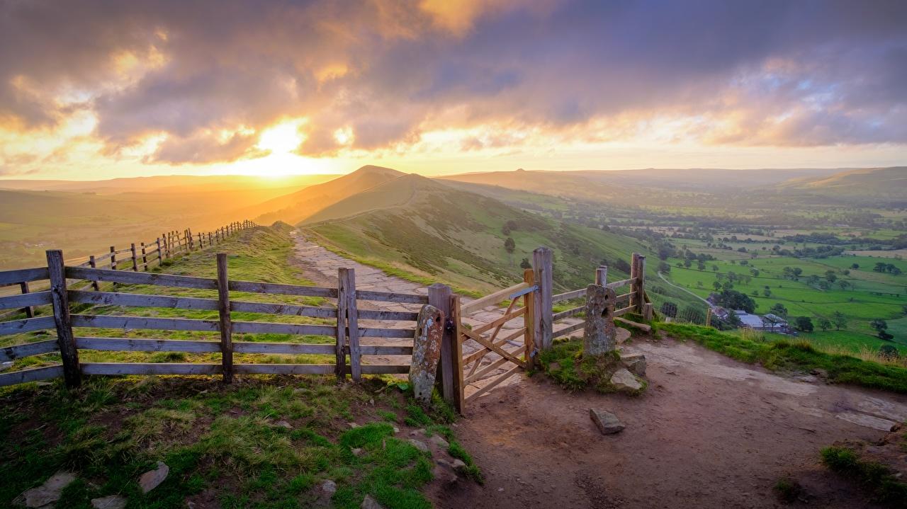 Desktop Hintergrundbilder England Peak-District national Park, Derbyshire Natur Zaun Park Hügel Sonnenaufgänge und Sonnenuntergänge Gras Horizont Parks Morgendämmerung und Sonnenuntergang