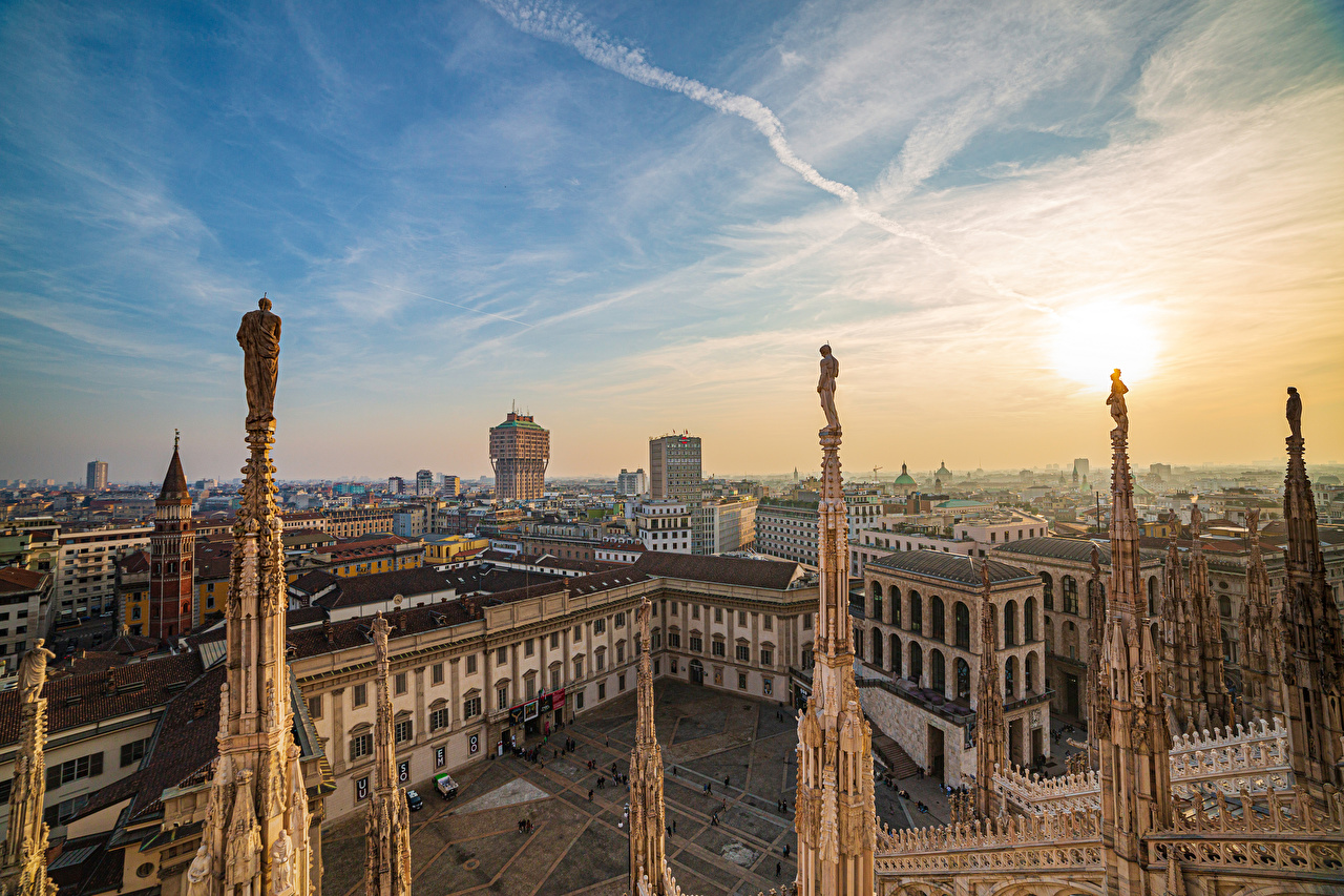 Images Cathedral Italy Town square Milan, Duomo al tramonto Sun Sky From above Cities
