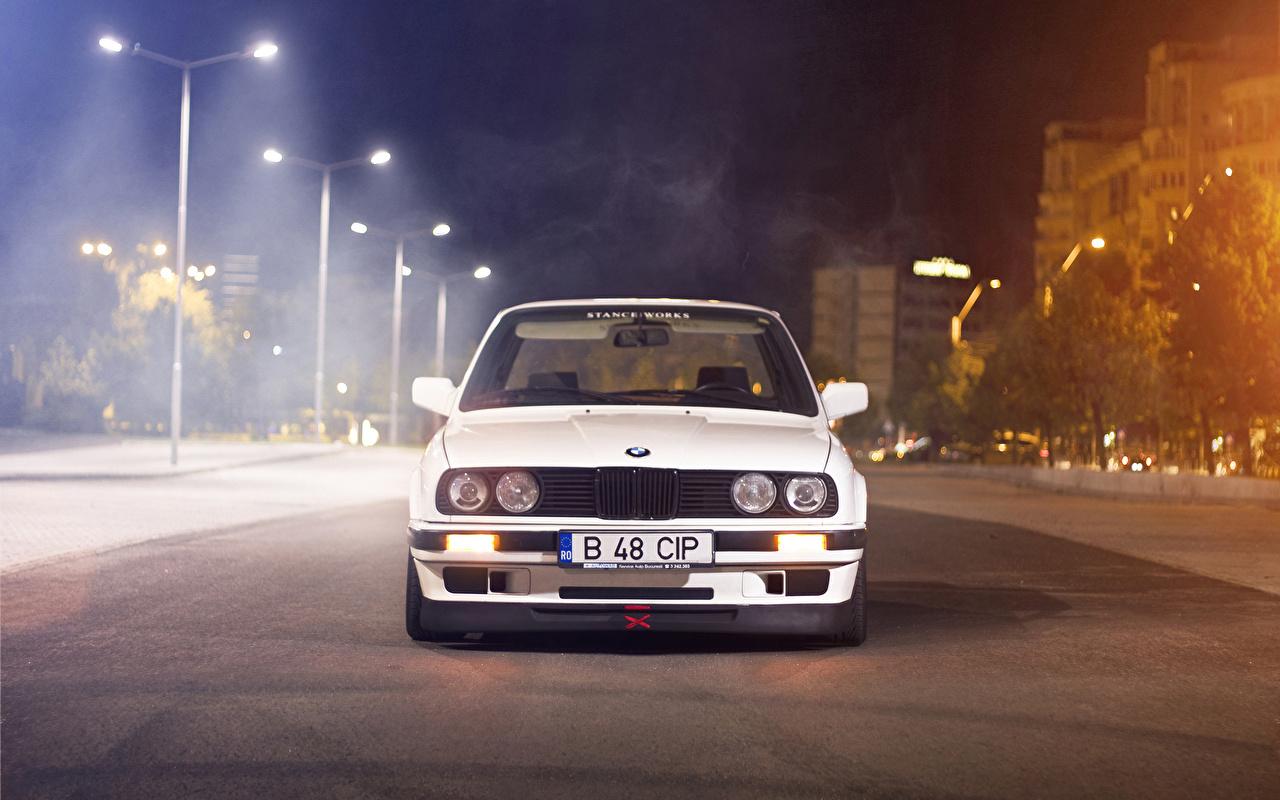 BMW Blanco Farola Noche autos, automóvil, automóviles, el carro Coches