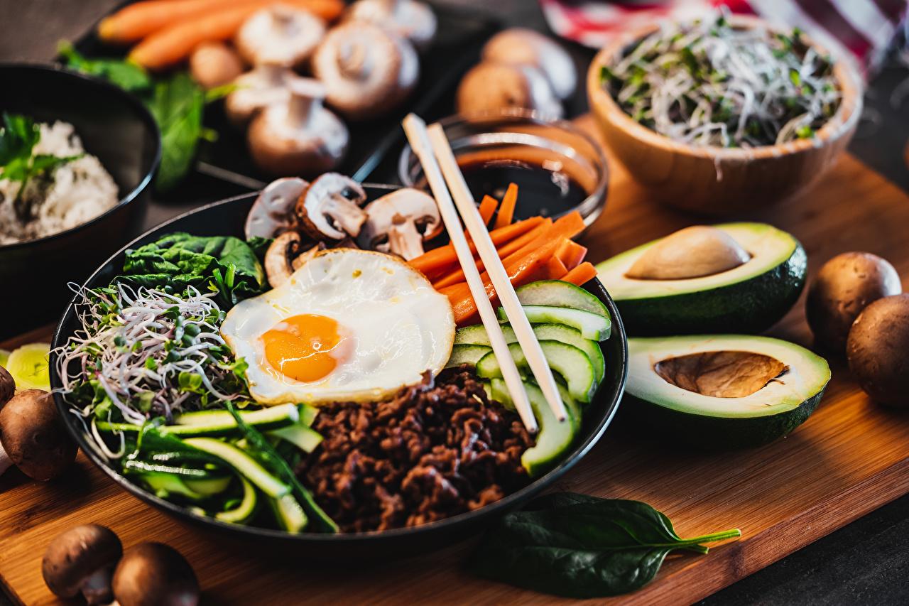 Wallpaper Bokeh Fried egg Breakfast Food Plate Chopsticks Sliced food blurred background
