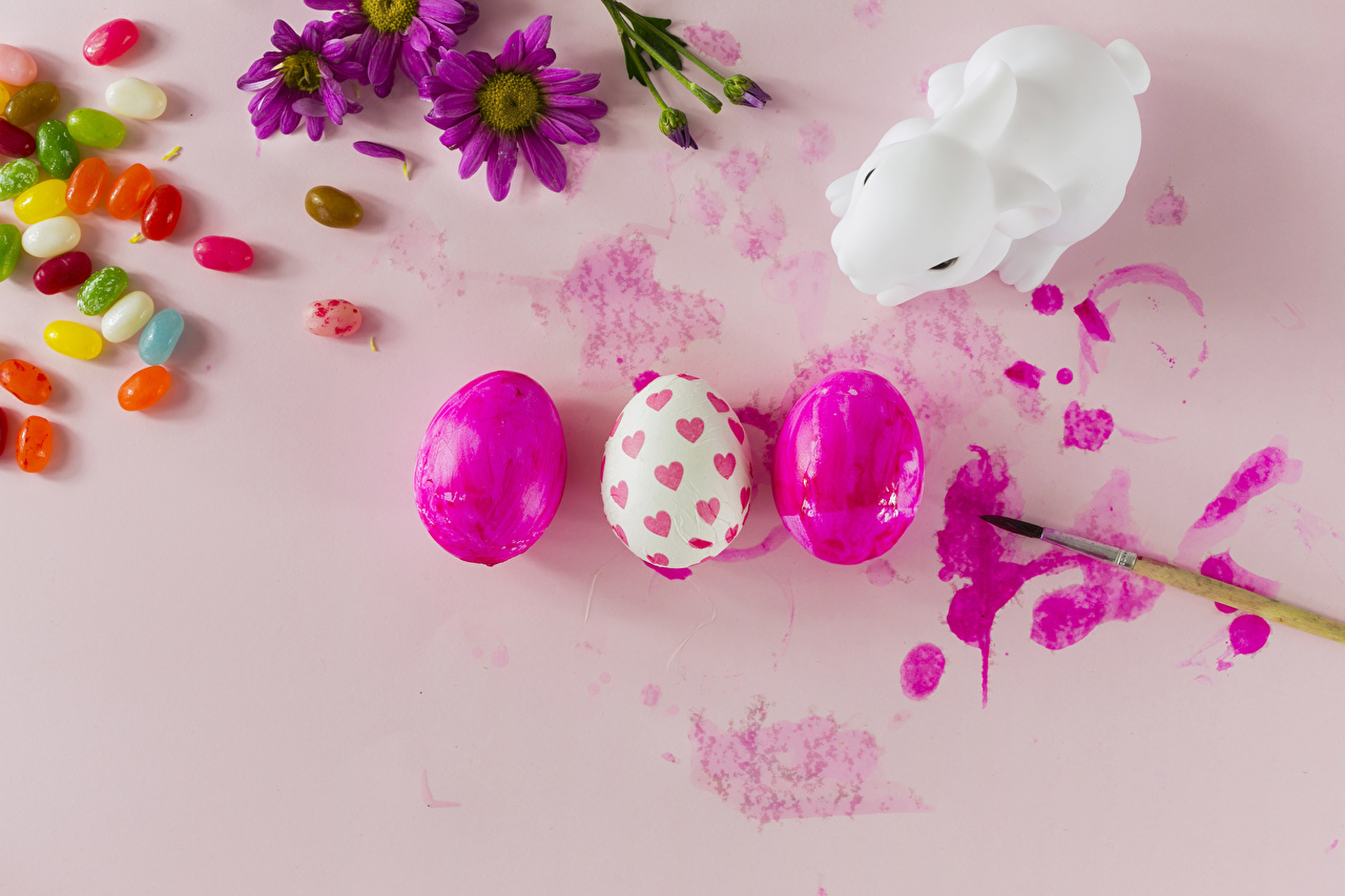 Desktop Wallpapers Food Easter rabbit Dragee Paintbrush Candy Paint Pink background Eggs Rabbits egg