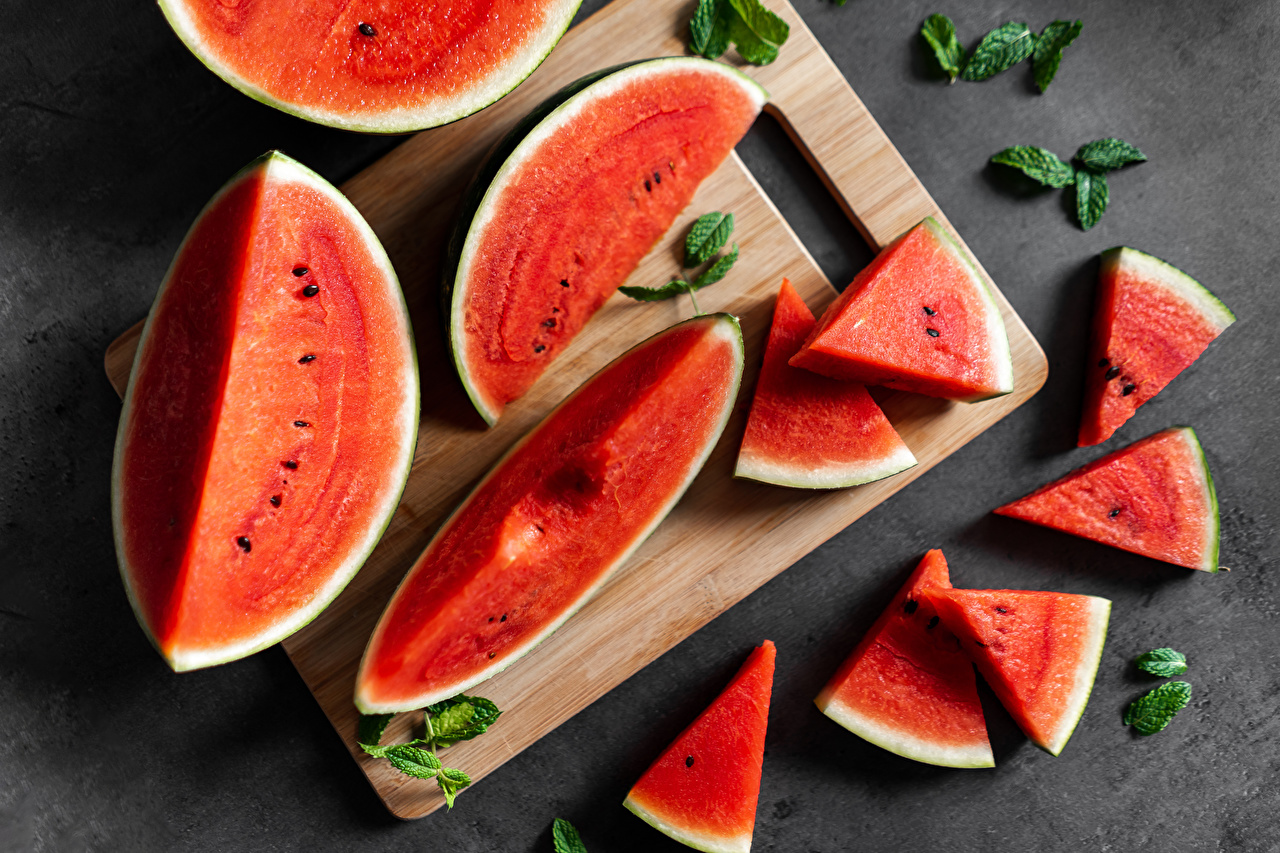 Fotos von Stück Wassermelonen das Essen Schneidebrett stücke Lebensmittel