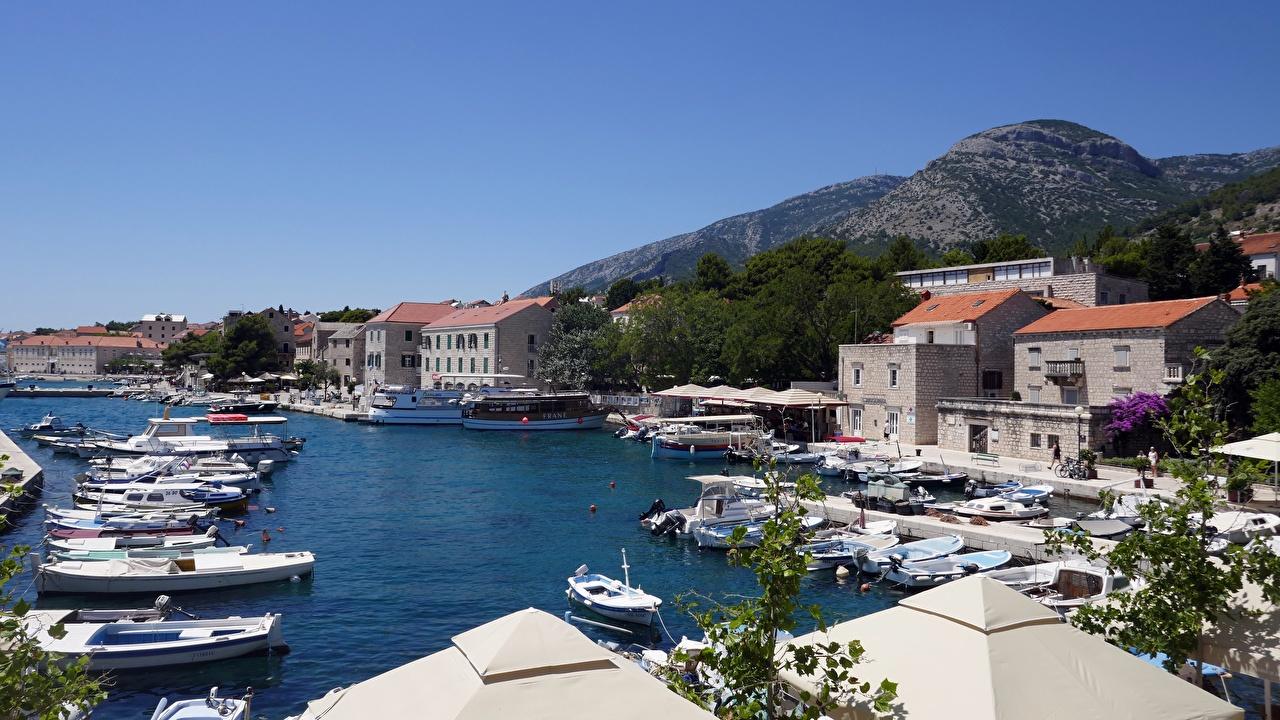 Desktop Wallpapers Croatia Island Of Brac, town of Bol Berth powerboat Houses Cities Pier Marinas speedboat Motorboat Building