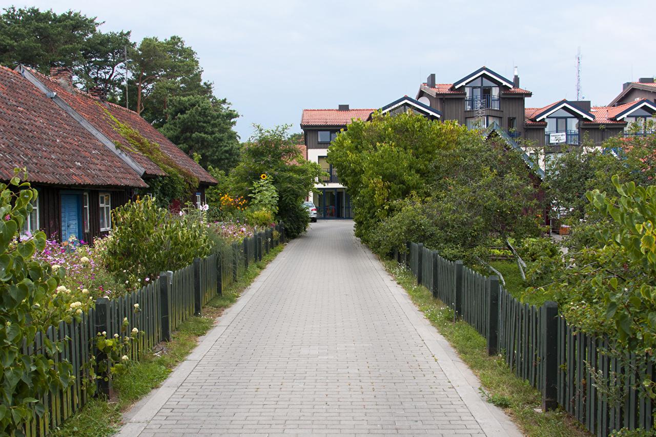 Bilder Litauen Nida Klaipeda Zaun Straße Städte Gebäude Stadtstraße Haus