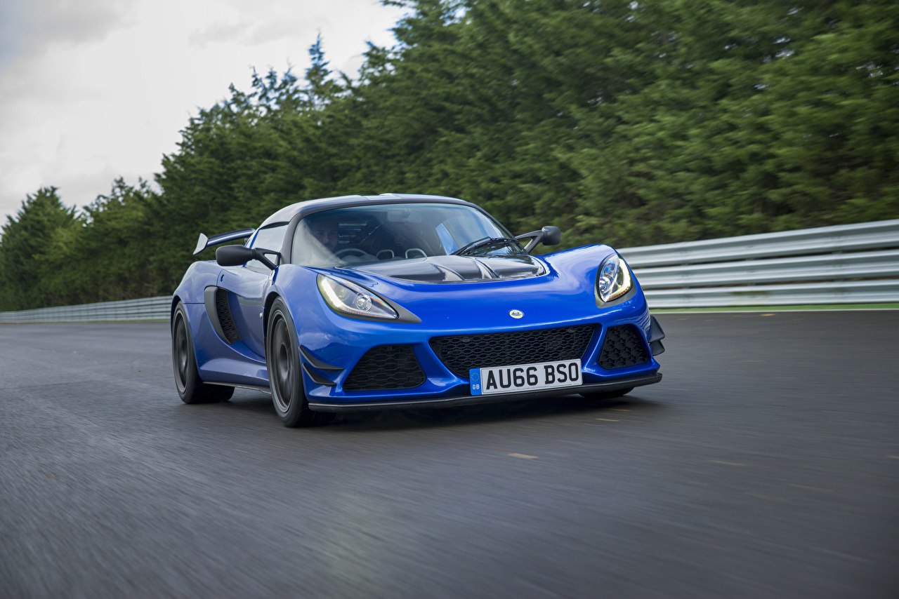 Bilder Lotus 2016-17 Exige Sport 380 Blau fahrendes Autos fährt fahren Bewegung Geschwindigkeit auto automobil