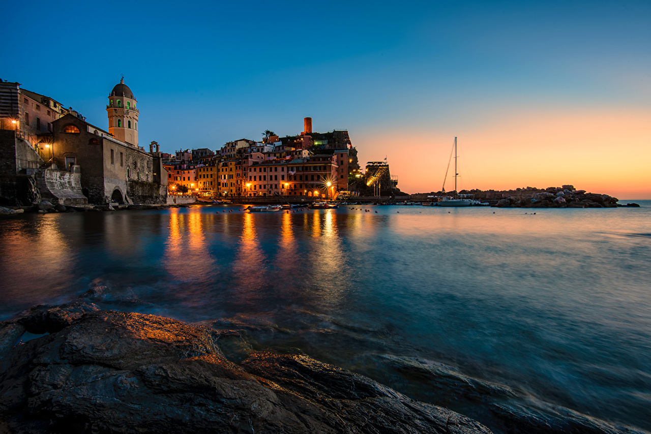 Desktop Wallpapers Vernazza Cinque Terre park Italy Sea Night Street lights Cities Building night time Houses