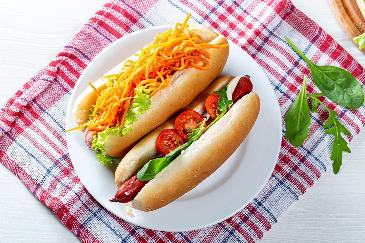 Desktop Wallpapers Two Carrots Hot dog Tomatoes Buns Vienna sausage Food Plate 2