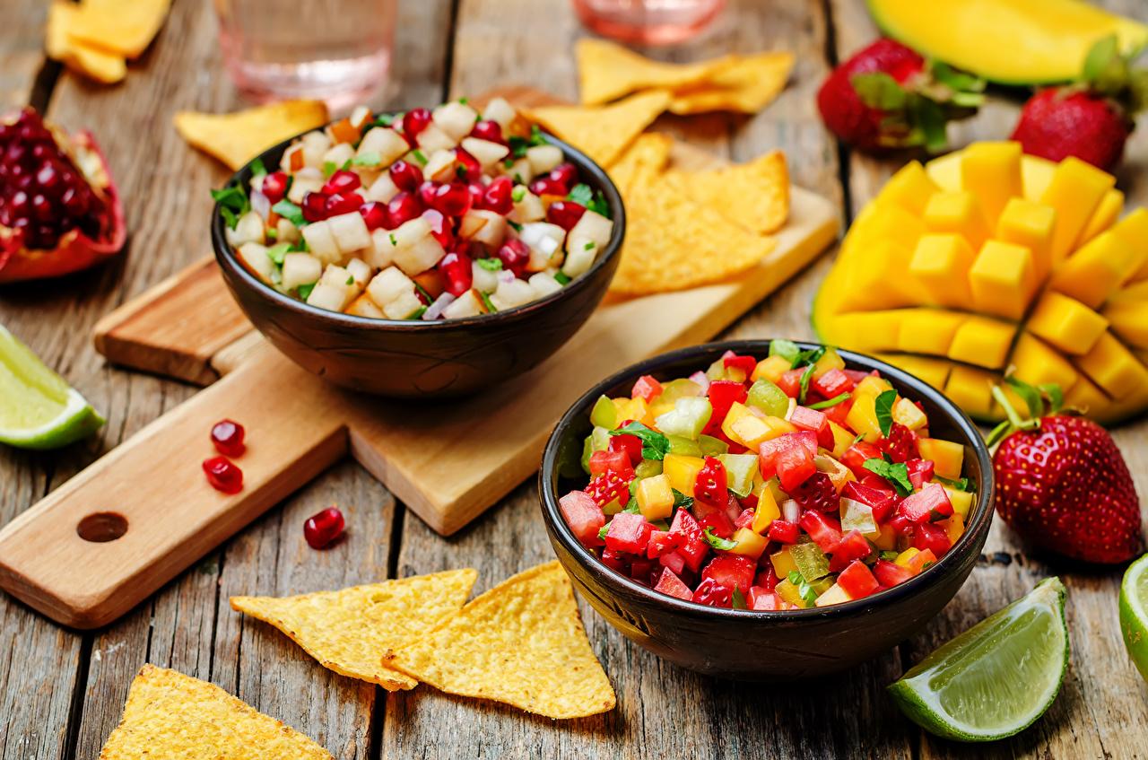 Fotos Kartoffelchips Obst Salat Lebensmittel