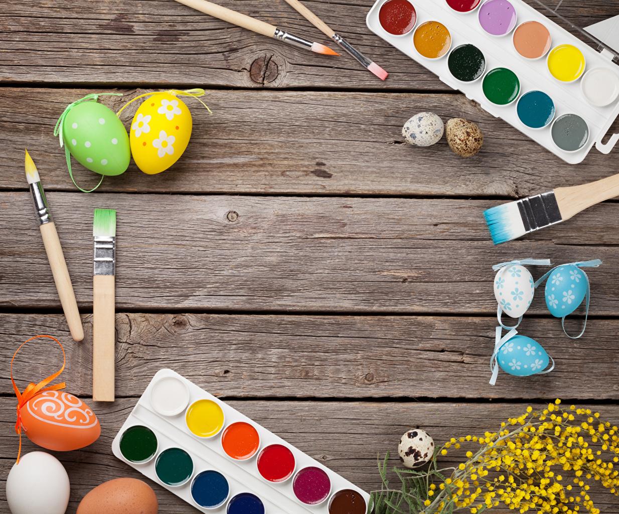 Afbeeldingen Pasen een ei Penseel Wenskaart Sjabloon Planken Ontwerp Eieren wenskaartsjabloon