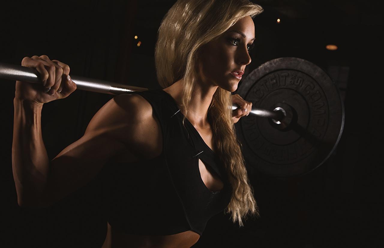 Foto Blond Mädchen Fitness Sport Mädchens Hantelstange Blondine