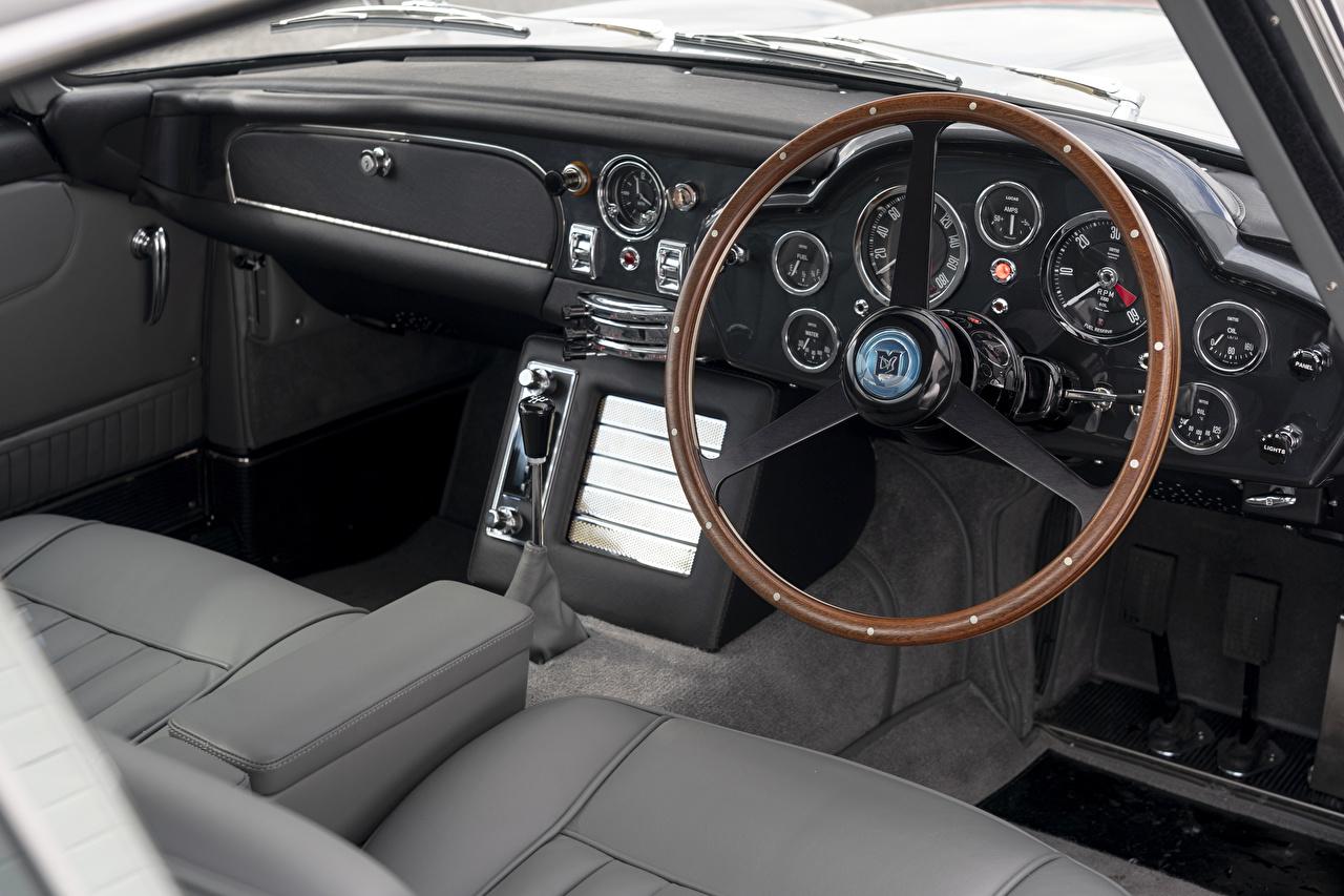 zdjęcia Salons Aston Martin Kierownica samochodu DB5 Goldfinger Continuation, 2020 Samochody samochód