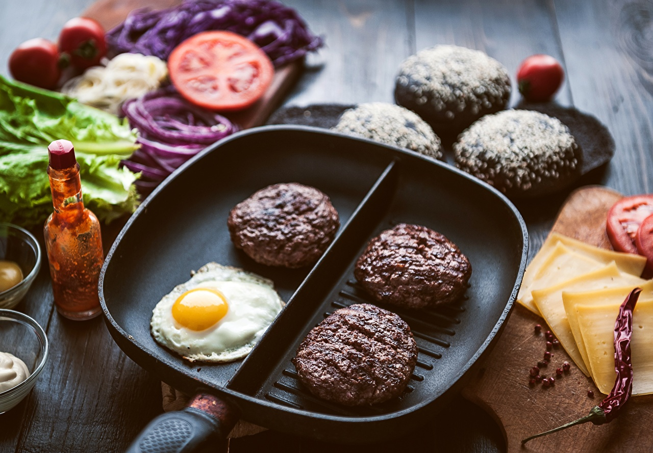 Pictures meatballs egg frypan Food rissole Frikadeller Eggs Frying pan